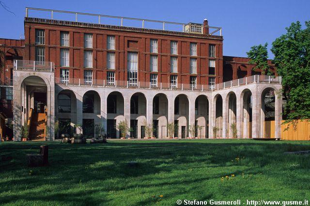 Milanofoto archivio immagini di milano 20060418 161 for Viale alemagna 6 milano