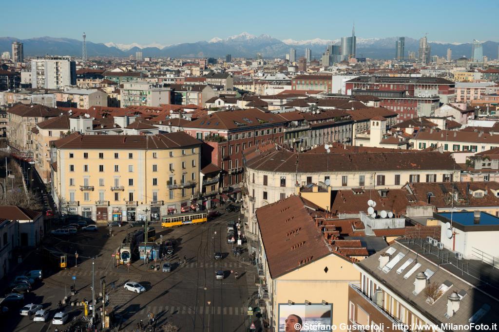 Milanofoto archivio immagini di milano 20121228 - Carabinieri porta genova milano ...