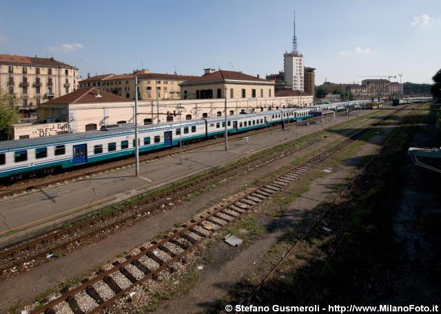 Milanofoto archivio immagini di milano 20110911 - Carabinieri porta genova milano ...