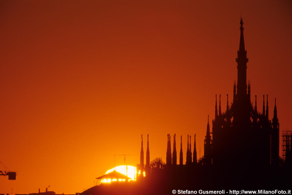 Duomo all'alba - click to next image